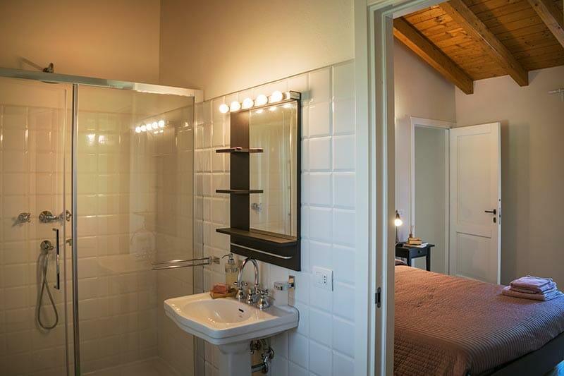 Camera con bagno privato del bnb Casa Mallarino di Albareto